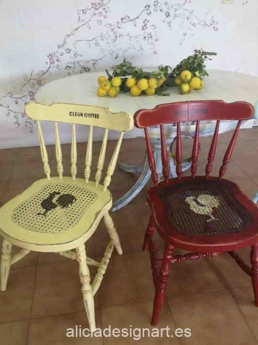 Conjunto de 4 sillas Windsor vintage estilo farmhouse con stencils - Taller de decoración de muebles antiguos Madrid estilo Shabby Chic, Provenzal, Romántico, Nórdico