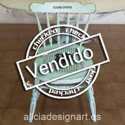 Silla Windsor vintage estilo farmhouse verde con stencils - Taller de decoración de muebles antiguos Madrid estilo Shabby Chic, Provenzal, Romántico, Nórdico