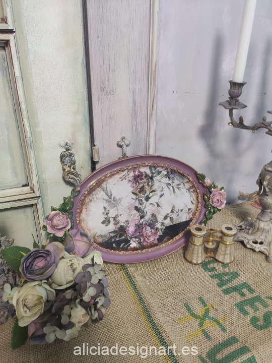 Bandeja decorada con el papel de arroz flores sobre franjas negras de Cadence ref PA599 - Taller decoración de muebles antiguos Madrid estilo Shabby Chic, Provenzal, Romántico, Nórdico