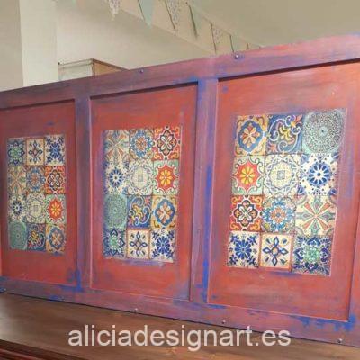 Cabecero decorado estilo Boho Chic con découpage con baldosas - Taller de decoración de muebles antiguos Alicia Designart Madrid