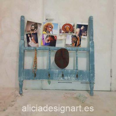 Perchero con portafoto decorado estilo Shabby Chic Romántico - Tienda de productos de decoración en Madrid. Plantillas de stencil, papel decoupage, pintura decoración, Shalk Paint, accesorios