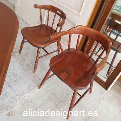 Silla Windsor con brazos vintage de madera maciza decorada por encargo - Taller decoración de muebles antiguos Alicia Designart Madrid.