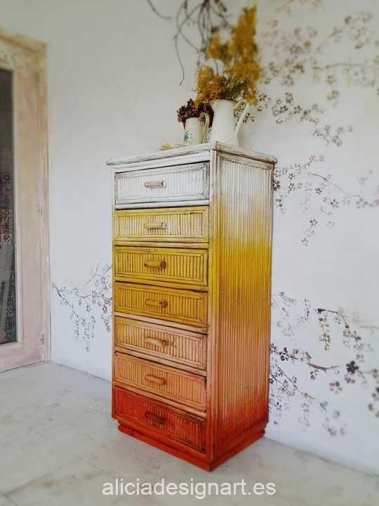 Sinfonier vintage 7 cajones decorado estilo Boho con degradado de colores ocres - Taller de decoración de muebles antiguos Madrid. Muebles de colores, productos y cursos.