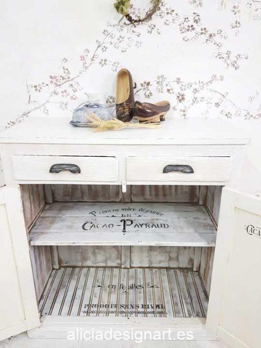 Aparador antiguo decorado estilo Shabby Chic Francés blanco con stencils - Taller de decoración de muebles antiguos Alicia Designart Madrid