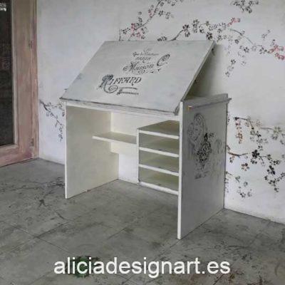 Escritorio de dibujo tablero abatible Shabby Chic con stencils - Taller de decoración de muebles antiguos Alicia Designart Madrid. Muebles de colores, productos y cursos.