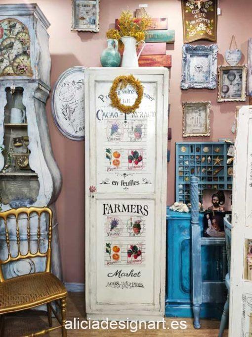 Alacena antigua estilo Campestre Cottage blanco con stencils y découpage - Taller de decoración de muebles antiguos Alicia Designart Madrid.