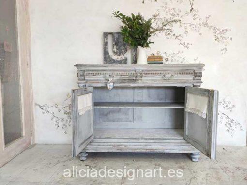 Aparador antiguo decorado estilo Shabby gris desgastado y envejecido - Taller de decoración de muebles antiguos Alicia Designart Madrid