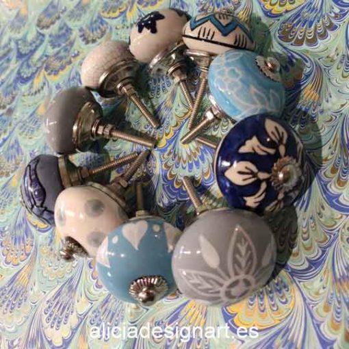 Pomos tiradores de cerámica azul estilo Boho Chic India - Tienda de productos de decoración en Madrid. Plantillas de stencil, papel découpage, pintura decoración, Chalk Paint, accesorios