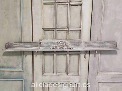 Cabecero copete estilo Shabby chic en tonos grises - Taller de decoración de muebles antiguos Alicia Designart Madrid