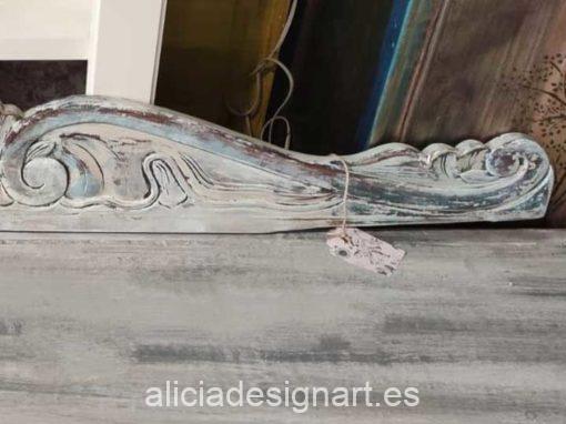 Cabecero copete labrado decorado estilo Shabby chic en tonos grises y azules - Taller de decoración de muebles antiguos Alicia Designart Madrid
