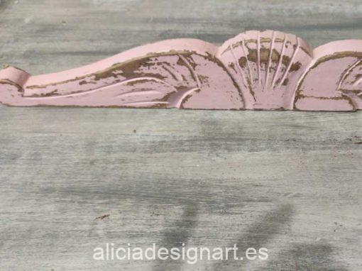 Copete walldecor decorado estilo Shabby Chic en color rosa - Taller de decoración de muebles antiguos Alicia Designart Madrid