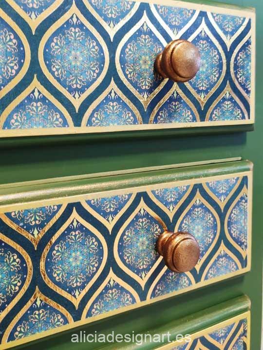 Sinfonier estilo bohemio verde y dorado decorado por encargo - Alicia Designart, tienda y taller de decoración de muebles antiguos en Madrid