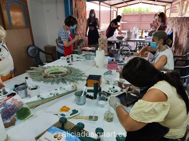 Curso taller de decoración de muebles y Home Decor usando patinas de 21 de julio 2020 - Taller y cursos de decoración de muebles antiguos Alicia Designart Madrid