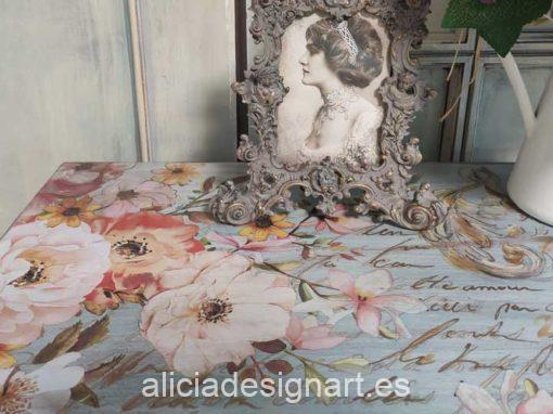 Sinfonier 7 cajones decorado estilo romántico con grandes flores y efecto envejecido - Taller de decoración de muebles antiguos Madrid. Muebles de colores, productos y cursos.