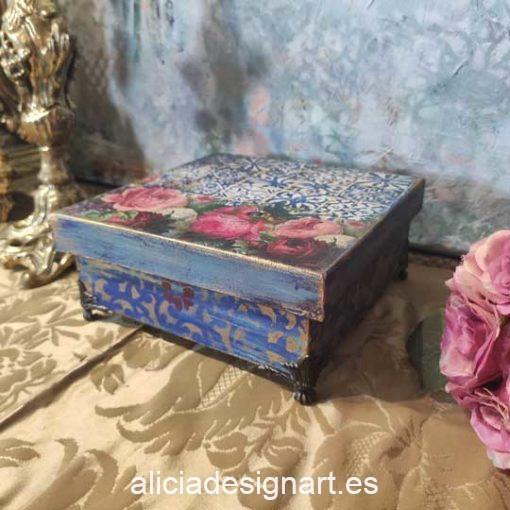Patitas de latón estilo Boho Chic para cajitas - Tienda de productos de decoración en Madrid. Plantillas de stencil, papel decoupage, pintura decoración, Shalk Paint, accesorios