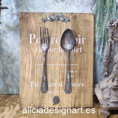 Cuadro decorativo en madera reciclada con cubiertos antiguos y stencil Poivre Noir - Taller decoración de muebles antiguos Madrid estilo Shabby Chic, Provenzal, Romántico, Nórdico