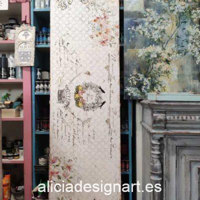 Puerta Vintage recuperada y reciclada en cabecero decorado estilo romántico francés - Taller de decoración de muebles antiguos Alicia Designart Madrid