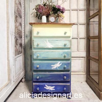 Sinfonier ARthur con 6 cajones decorado estilo artístico con degradado de azules y libélulas - Taller de decoración de muebles antiguos Madrid. Muebles de colores, productos y cursos.