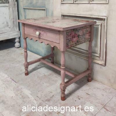 Mesita auxiliar Shabby Chic Denice, restaurada y decorada por Ana y Alicia Art - Taller de decoración de muebles antiguos Madrid. Muebles de colores, productos y cursos.