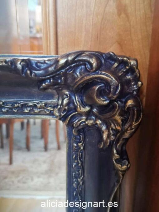 Espejo antiguo Versalles restaurado y decorado, por CascaBel - Taller de decoración de muebles antiguos Madrid. Muebles de colores, productos y cursos.