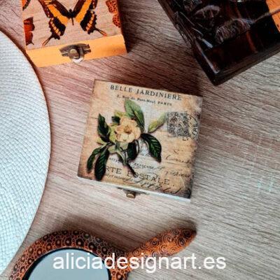 Cajita ambientadora con cemalia y aroma a cítricos creada y decorada por Mónica - Taller de decoración de muebles antiguos Madrid. Muebles de colores, productos y cursos.