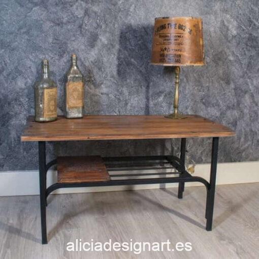 Mesa auxiliar Bulbs decorada estilo industrial con transfer y stencil, por Pintando Sueños - Taller de decoración de muebles antiguos Madrid. Muebles de colores, productos y cursos.