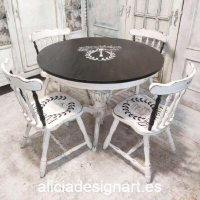 Mesa de comedor redonda extensible estilo Farmhouse Black and White con 4 sillas Windsor a juego - Taller de decoración de muebles antiguos Madrid. Muebles de colores, productos y cursos.