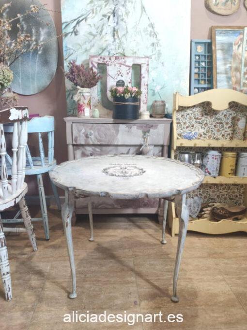 Mesita redonda antigua Abeja Real decorada estilo Shabby Chic y Gustaviano - Taller de decoración de muebles antiguos Madrid. Muebles de colores, productos de decoración y cursos.
