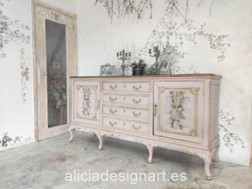 Aparador antiguo decorado estilo Shabby rosa Oasis desgastado y envejecido - Taller de decoración de muebles antiguos Alicia Designart Madrid