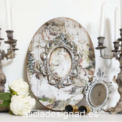 Lienzo ovalado con marco rococó y fondo de flores grises - Taller decoración de muebles antiguos Madrid estilo Shabby Chic, Provenzal, Romántico, Nórdico