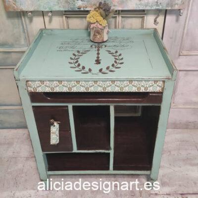 Mesa auxiliar escritorio de teca decorada con découpage y stencil estilo colonial - Taller de decoración de muebles antiguos Madrid. Muebles de colores, productos y cursos.