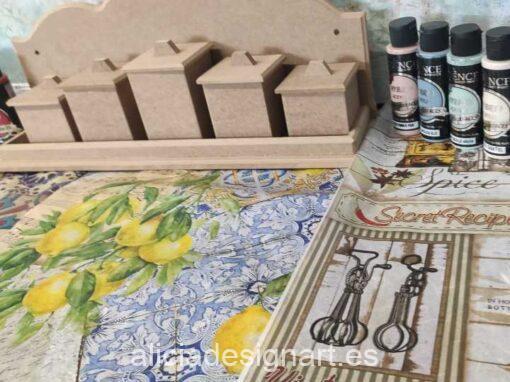Curso taller Especiero decorado con Decoupage, stencils con relieve y craquelados 12/04/2021 - Taller de decoración de muebles antiguos Alicia Designart Madrid