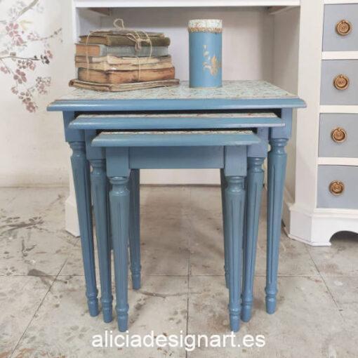 Lote de 3 mesitas nido Napoleón, restauradas y decoradas por Ana y Alicia Art - Taller de decoración de muebles antiguos Madrid. Muebles de colores, productos y cursos.