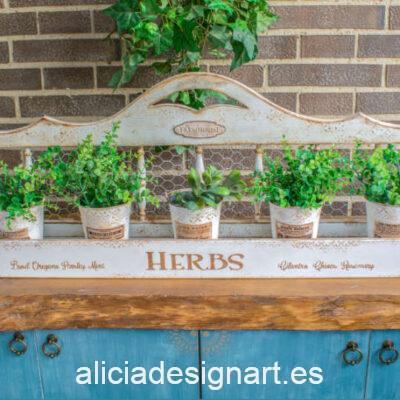 Estante Herbs con cubos metálicos decorado estilo farmhouse, por Pintando Sueños - Taller de decoración de muebles antiguos Madrid. Muebles de colores, productos y cursos.