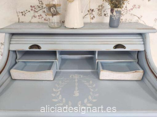 Mesa escritorio vintage de 4 cajones con persiana decorada estilo nórdico gustaviano con stencil - Taller de decoración de muebles antiguos Madrid. Muebles de colores, productos y cursos.