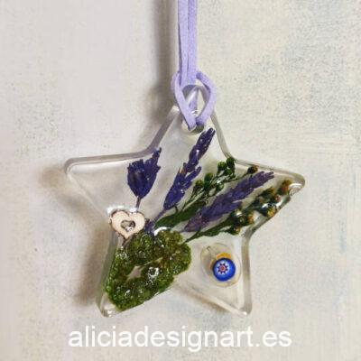 Colgante estrella con lavandas, corazón y cristal de Murano, de la colección de joyería creativa y ecológica de Alicia Domínguez López - Taller de decoración de muebles antiguos Alicia Designart Madrid