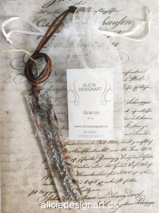 Colgante lingote largo con 2 ramas verticales, de la colección de joyería creativa y ecológica de Alicia Domínguez López - Taller de decoración de muebles antiguos Alicia Designart Madrid