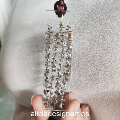 Colgante lingote con 4 ramas verticales, de la colección de joyería creativa y ecológica de Alicia Domínguez López - Taller de decoración de muebles antiguos Alicia Designart Madrid