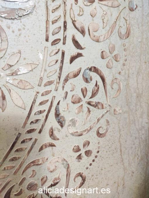 Cabecero antiguo restaurado y decorado estilo Shabby con mandala - Taller de decoración de muebles antiguos Alicia Designart Madrid estilo Shabby Chic, Provenzal, Romántico, Nórdico