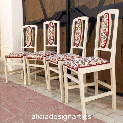 Conjunto de 4 sillas Art Déco de los años 20 decoradas y tapizadas, por Sastralum - Taller de decoración de muebles antiguos Madrid. Muebles de colores, productos y cursos.