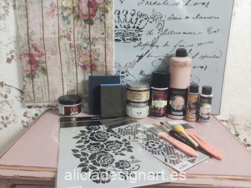 Kit de productos, pintura, stencil y papel de arroz para el curso online de iniciación - Taller de decoración de muebles antiguos Madrid. Muebles de colores, productos de decoración y cursos.